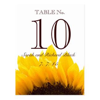 Cartão Postal Número da mesa do casamento do girassol de Brown
