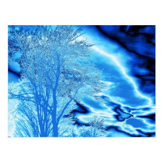 Cartão Postal Nuvens da árvore N do inverno (personalize) no