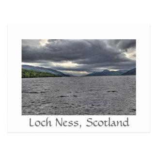 Cartão Postal Nuvens de aço de Loch Ness