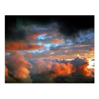Cartão Postal nuvens do furacão do cargo