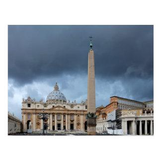 Cartão Postal Nuvens escuras acima da basílica de St Peters,