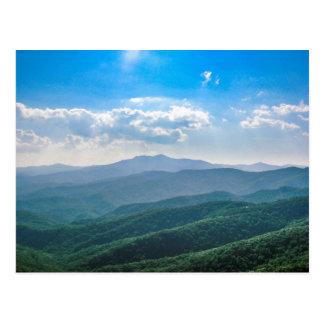 Cartão Postal O Azul-Ridge surpreendente
