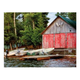 """Cartão Postal O """"Boathouse"""", Canadá fora ajardina a foto"""
