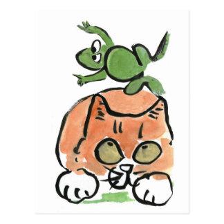 Cartão Postal O comedor de rãs está pulando sobre o gatinho