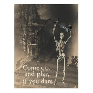 Cartão Postal O esqueleto com violino ousa o sair & o jogo