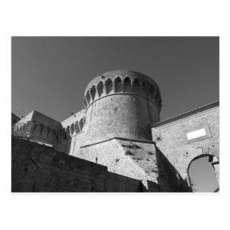 Cartão Postal O Fortezza Medicea de Volterra. Toscânia, Italia