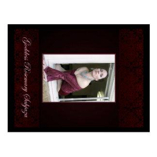 Cartão Postal O Godddess Rosemary na janela