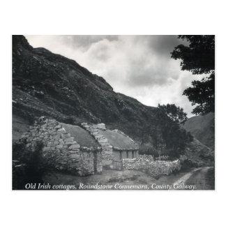 Cartão Postal O irlandês idoso thatched casas de campo, Galway