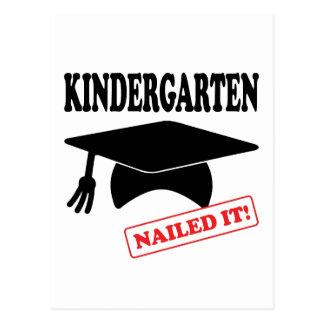 Cartão Postal O jardim de infância pregou-o