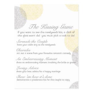 Cartão Postal O jogo de beijo do casamento