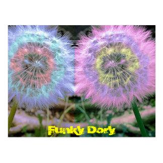 Cartão Postal O Lilac azul Funky incomum floresce o pop art