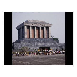 Cartão Postal O mausoléu de Ho Chi Minh no quadrado de Dinh dos