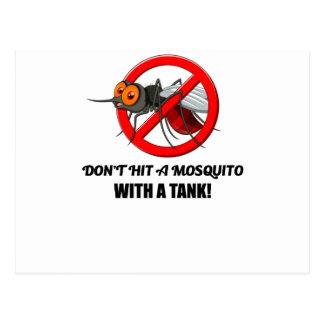 Cartão Postal o mosquito não o bate com um tanque