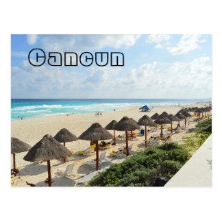 Cartão Postal O Oceanfront da praia de Cancun acena o turista