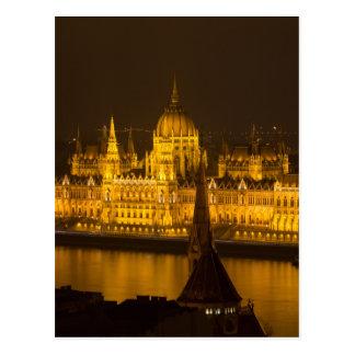 Cartão Postal O parlamento húngaro Budapest em a noite