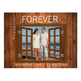Cartão Postal O quadro de janela do falso Shutters o casamento