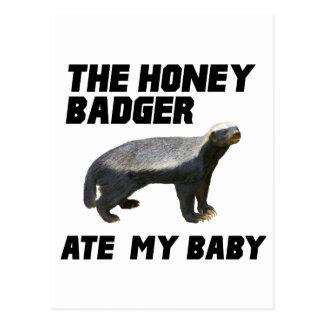 Cartão Postal O texugo de mel comeu meu bebê