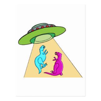 Cartão Postal O UFO irradia-se acima dos dinossauros