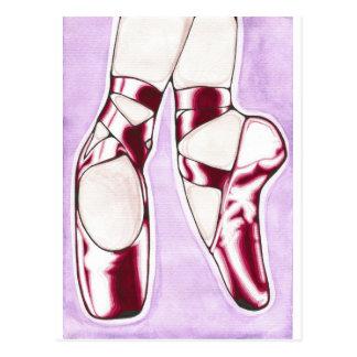 Cartão Postal O vermelho calça deslizadores do balé
