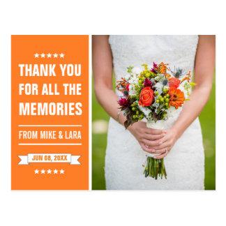 Cartão Postal Obrigado alaranjado da foto das flores da noiva do