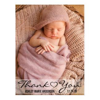 Cartão Postal Obrigado coração moderno da foto do bebê novo