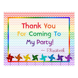 Cartão Postal Obrigado dos Pinwheels do aniversário do arco-íris