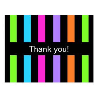 Cartão Postal Obrigado multicolorido das listras você
