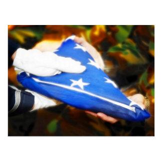 """Cartão Postal """"Obrigado"""" soldado que recebe a bandeira americana"""