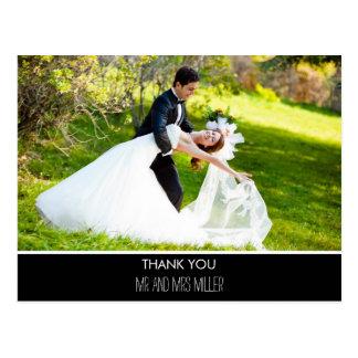 Cartão Postal Obrigado vertical moderno do casamento da foto