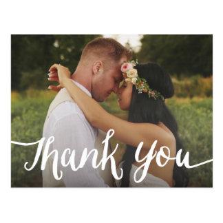 Cartão Postal Obrigado Wedding indicado por letras da folha de