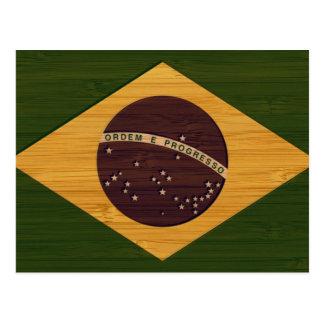 Cartão Postal Olhar de bambu & bandeira gravada de Brasil do