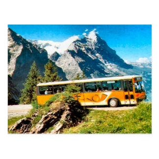Cartão Postal Ônibus do cargo na montanha