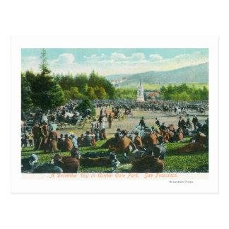 Cartão Postal Opinião as multidões em Golden Gate Park em