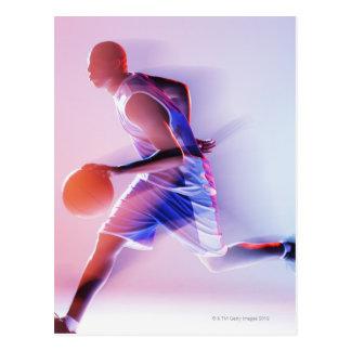Cartão Postal Opinião borrada o jogador de basquetebol que pinga