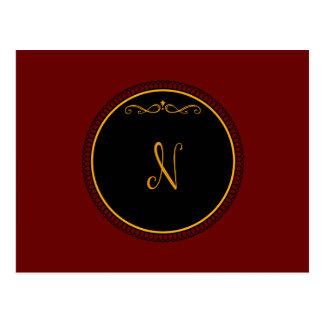 """Cartão Postal Ouro do monograma """"N"""" no preto"""