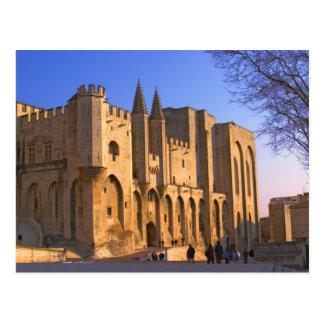 Cartão Postal Palácio do papa em Avignon com pessoas