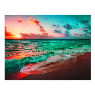 Cartão Postal Paraíso tropical do por do sol no Sandy Beach