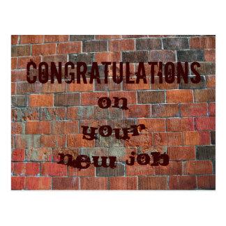 Cartão Postal Parede de tijolo nova do trabalho dos parabéns