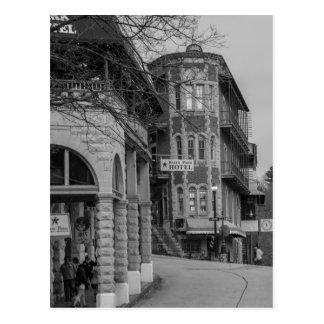 Cartão Postal Parque da bacia e Grayscale dos apartamentos de
