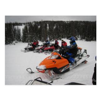 Cartão Postal Passeio do grupo do Snowmobile