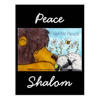 Cartão Postal Paz delicada do leão e do cordeiro