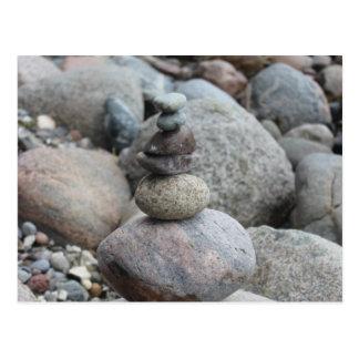 Cartão Postal Pedras a Mar Báltico, empilhado, equilibrio de