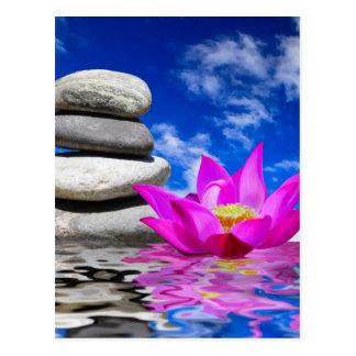 Cartão Postal Pedras da rocha da terapia & flor de Lotus
