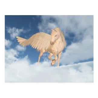 Cartão Postal Pegasus que olha para baixo através das nuvens