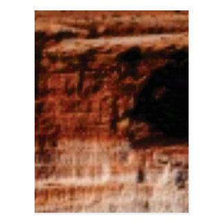 Cartão Postal penhascos vermelhos mergulhados da rocha