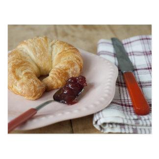 Cartão Postal Pequeno almoço francês com croissant