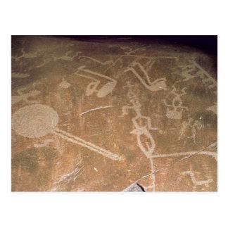 Cartão Postal Petroglyph cinzelado que descreve figuras