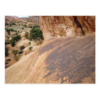 Cartão Postal Petroglyphs do estilo da garganta do vale