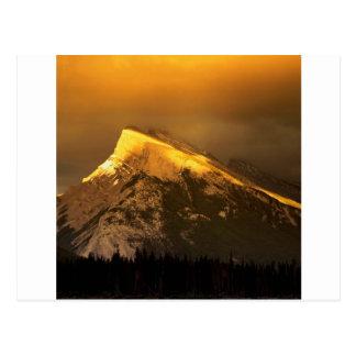 Cartão Postal Picos dourados do parque de Rundle Banff Ain