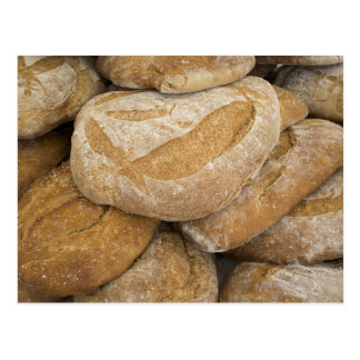 Cartão Postal Pilha de grandes nacos do pão